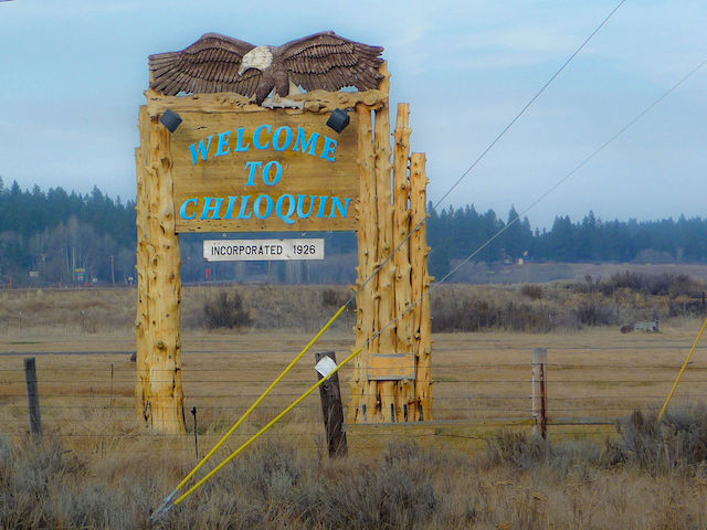 Welcome to Chiloquin sign